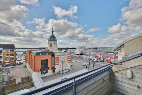 3 bedroom penthouse for sale - Town Quay, Southampton