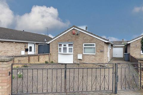 2 bedroom detached bungalow for sale - Thurning Avenue, Peterborough, PE2 8QW