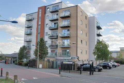1 bedroom flat for sale - Queen Mary Avenue, E18