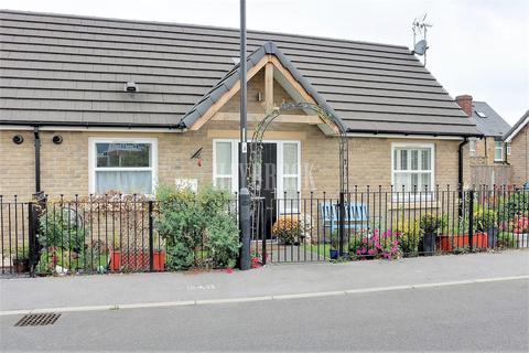 3 bedroom bungalow for sale - Quarry Road, Handsworth