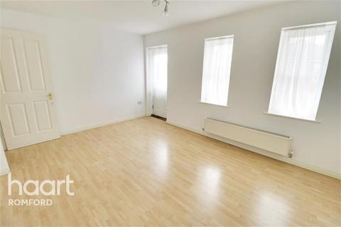 2 bedroom flat to rent - Glandford Way - Chadwell Heath - RM6