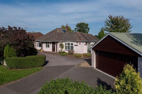 3 bedroom detached bungalow for sale - Ockley Lane, Keymer, West Sussex,