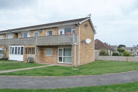 2 bedroom flat for sale - Sunningdale Close, Chapel St Leonards