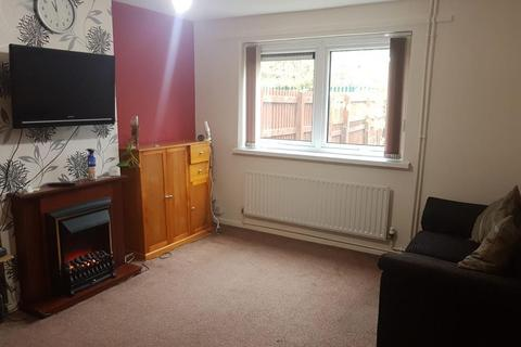 3 bedroom terraced house to rent - Thurcroft Close, Leicester, LE2 9NE