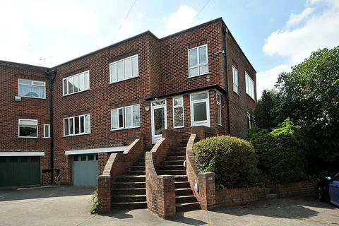 2 bedroom apartment to rent - Holford Crescent, Knutsford, Cheshire, WA16 8DZ