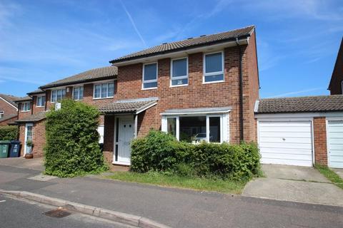 4 bedroom semi-detached house to rent - Nicholson Road, Marston