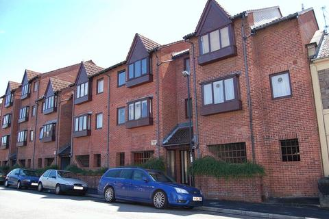Studio to rent - 9 Frampton Court Victoria Avenue, Bristol