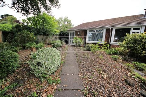 2 bedroom semi-detached bungalow to rent - Smugglers Lane North, Highcliffe,