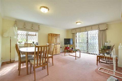 2 bedroom flat for sale - Woodlands, Golders Green, London