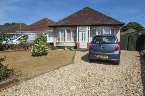 2 bedroom detached bungalow for sale - Heol Cattwg, Whitchurch, Cardiff