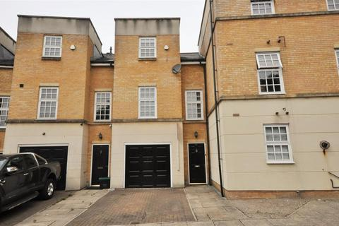 3 bedroom townhouse for sale - Bishopfields Drive, York YO26 4WY