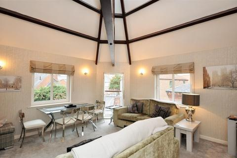 2 bedroom apartment for sale - Crambeck Court, Fetter Lane, York YO1 6BZ