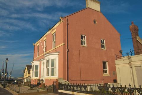 4 bedroom detached house for sale - Town Wall, Headland, Hartlepool