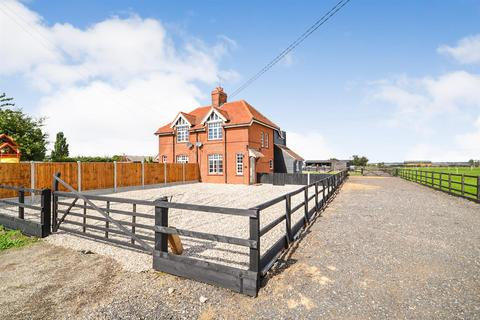 3 bedroom equestrian facility for sale - East End Road, Bradwell-on-Sea