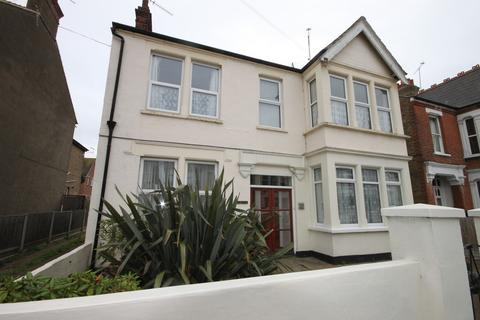 1 bedroom ground floor flat for sale - Albion Road, Westcliff-on-Sea