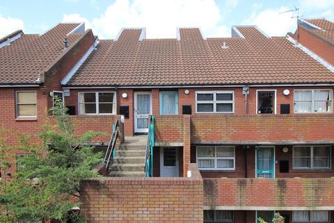 2 bedroom flat to rent - Watlings Court, NORWICH