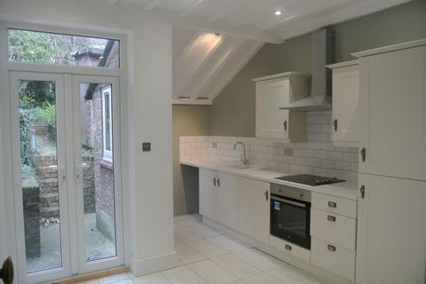 3 bedroom semi-detached bungalow to rent - Margate