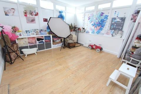 Studio to rent - Short Street, Brownhills