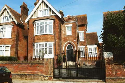 5 bedroom link detached house for sale - IMPRESSIVE FIVE BEDROOM LINK-DETACHED HOME