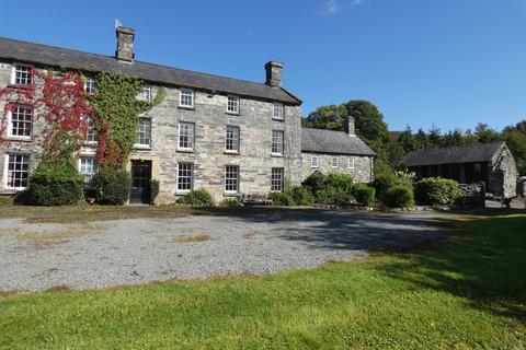 10 bedroom detached house for sale - Y Llwyn, Bwthyn y Llwyn and Helm y Llwyn, Dolgellau, LL40 2YF