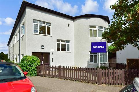 Studio for sale - Guys Retreat, Buckhurst Hill, Essex