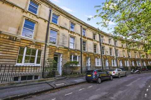 6 bedroom terraced house for sale - Park Town, Oxford