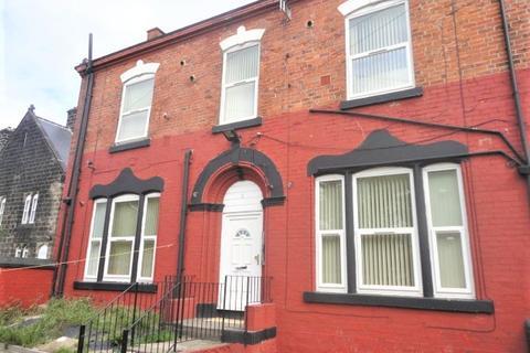 Studio to rent - Flat 8, Church Road, Armley, Leeds, LS12 1TZ