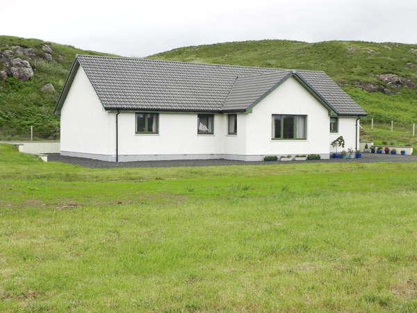 4 Bedrooms Detached Bungalow for sale in Arnival, 23 Portnalong, Carbost, Isle of Skye, IV47 8SL