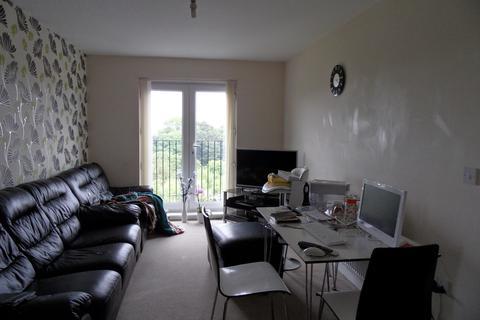 2 bedroom flat to rent - SANDHILL CLOSE, BRADFORD, WEST YORKSHIRE, BD8 0DZ