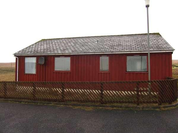 2 Bedrooms Detached Bungalow for sale in 2 Ferryview, Yell, Shetland, ZE2 9BD