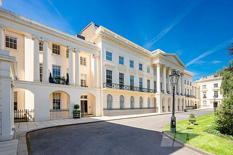 3 bedroom flat for sale - Clarence Terrace, Regents Park, NW1