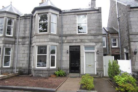 3 bedroom flat to rent - Burns Road, Aberdeen, AB15