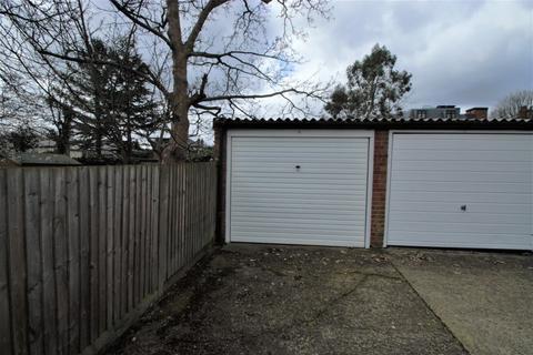 Garage for sale - Garage, 19 Blakesley Court