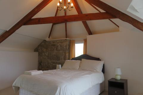 4 bedroom barn conversion to rent - Porthcurno
