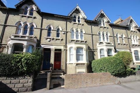 6 bedroom terraced house to rent - Abingdon Road, Oxford