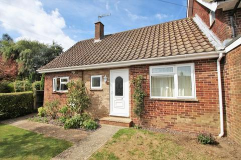 1 bedroom bungalow to rent - Withypitts, Turners Hill