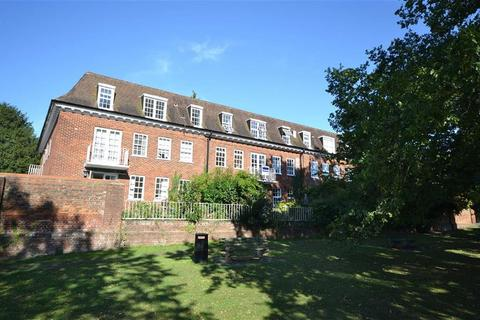 1 bedroom flat for sale - Spriggs Court, Epping, Essex, CM16