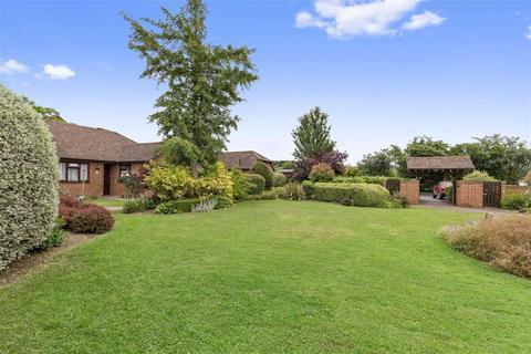 2 bedroom semi-detached bungalow for sale - Jarmans Field, Wye, Ashford
