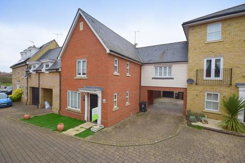 3 bedroom detached house for sale - Eglinton Drive, Chelmsford, CM2 6YL