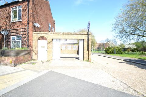 3 bedroom semi-detached house to rent - 100 Thames Road