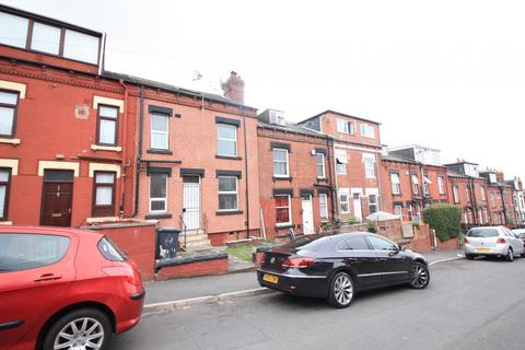 2 bedroom terraced house to rent -  Conway Place,  Leeds, LS8