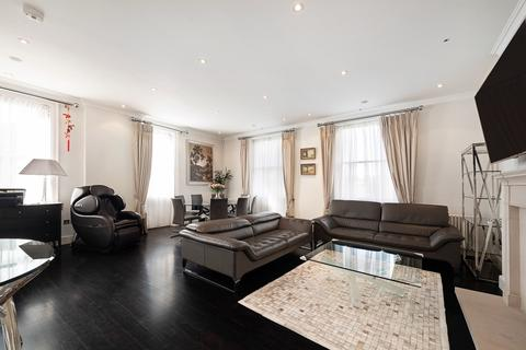 3 bedroom flat to rent - Haselbury House, George Street, Marylebone, London, W1U
