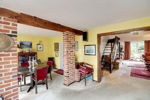 2 bedroom cottage for sale - Hastingwood