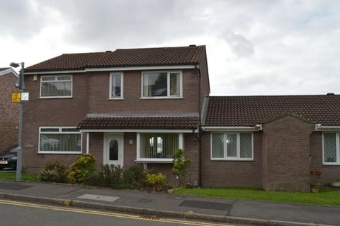3 bedroom terraced house to rent - Llwynmawr Close, Sketty, Swansea, SA2 9HD