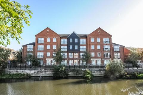 2 bedroom apartment to rent - Hunters Wharf, Central Reading, RG1