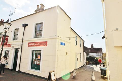 Studio to rent - Sun Street, WALTHAM ABBEY, Essex