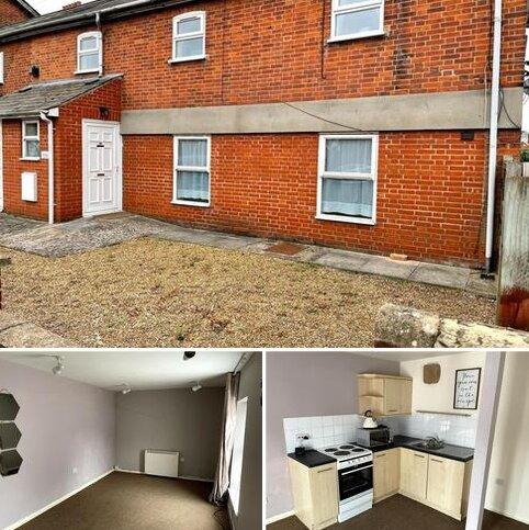 Studio to rent - Brooks Hall Road West Ipswich