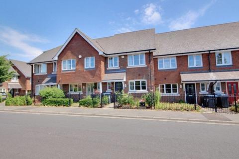3 bedroom terraced house for sale - Gordon Road, Haywards Heath