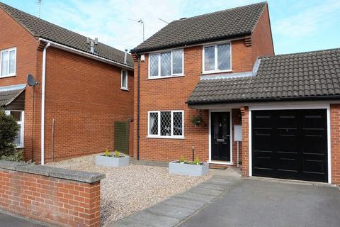 3 bedroom detached house for sale - Mere Road, Wigston, Leicestershire.