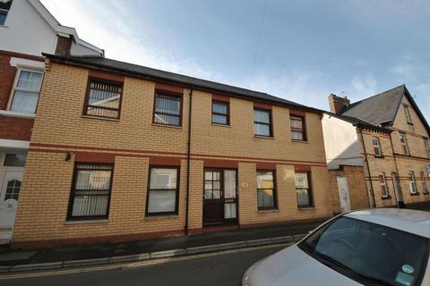 2 bedroom apartment to rent - 2 Bedroom Flat, Vicarage Lawn, Barnstaple